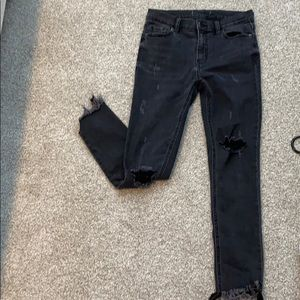 Size 26! Free Peopel Great Heights Frayed Jeans